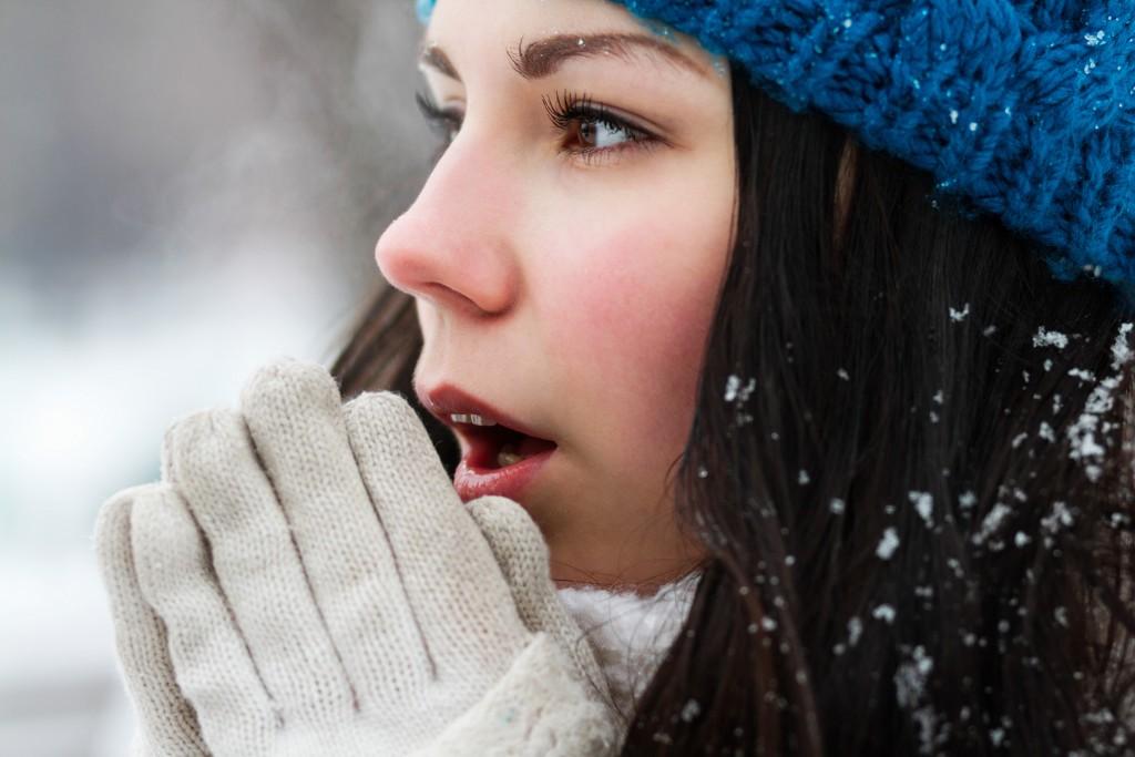 Girl feeling cold