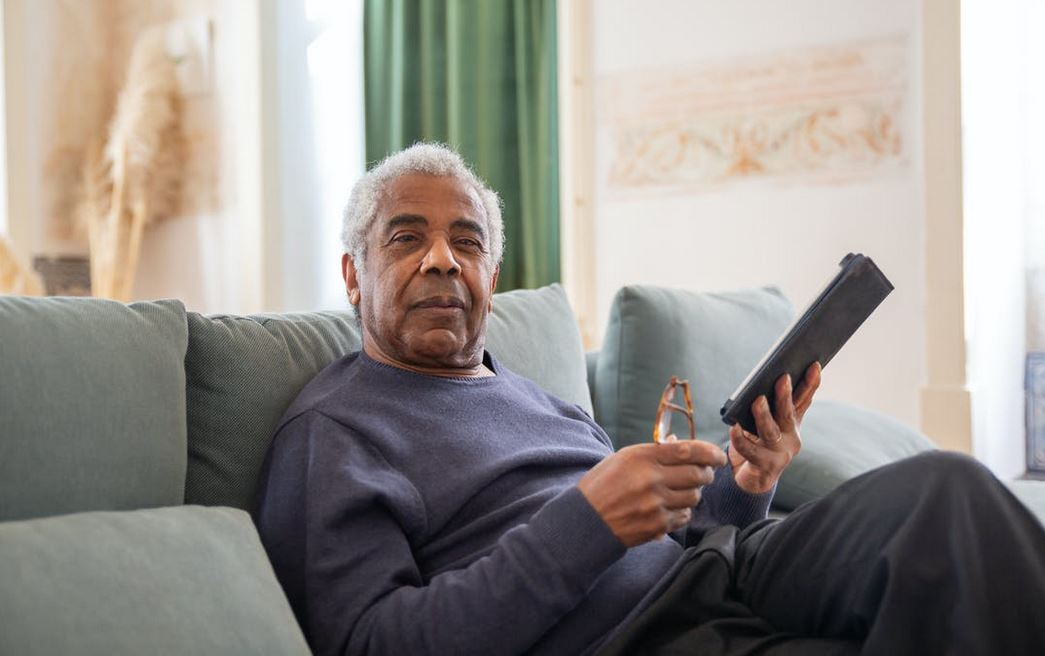 elderly-man-with-tablet
