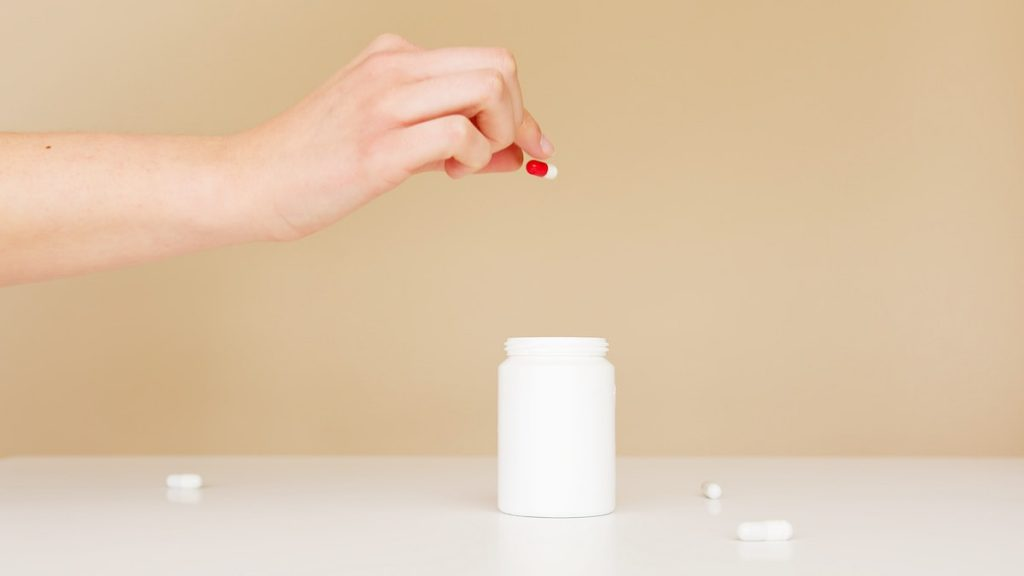putting back pills in the bottle